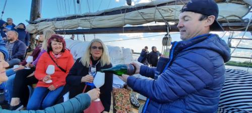 Veiniklubi üritus purjelaeval (1)